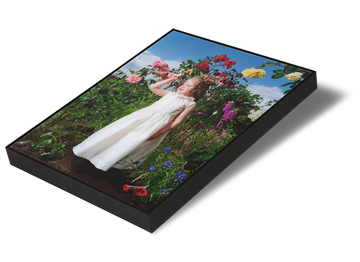 Keyline frames are a similar aesthetic to tray frames, but are more slimline. Works are often reverse acrylic / Perspex® mounted and floated with only a minimal gap between the work and the moulding. Perfect for contemporary artwork. Framing options available in both narrow and wide styles but for specific sizes and options please visit or contact our team.